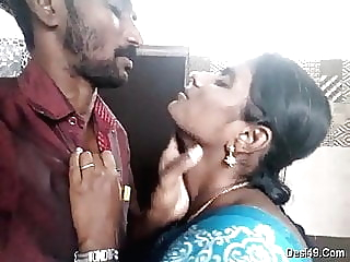 Tamil aunty kissing show pornheed indian tamil kissing