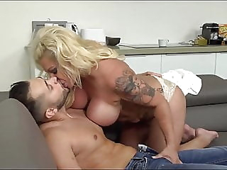 Fantastic. Big-Titted Girl Has Blowjob-Skills pornheed mature milf german